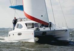 Catamaran Leopard 384
