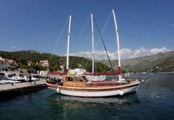 Jedrenjak Gulet Pulenat