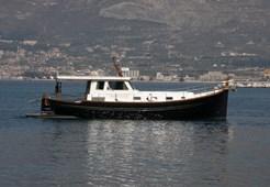 Motorna jahta Menorquin 160