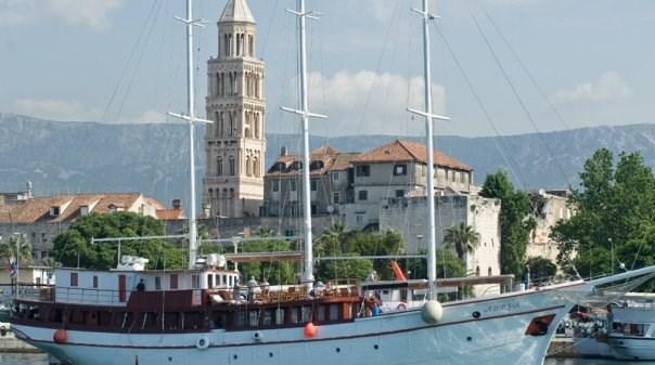 Motor-sailer Adria