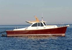 Motorna jahta Rose Island Lobster 38