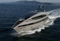 Luxury yachtCantieri Navali 136