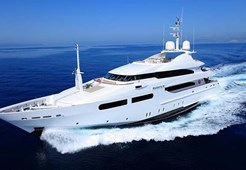 Luxury yachtCRN 141