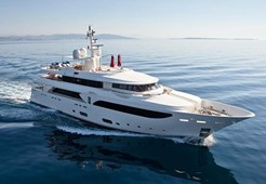 Luxury yachtCRN 43