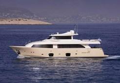 Luxury yachtCustom Line Navetta 26