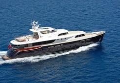 Luxury yachtCyrus Yachts 34