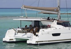 CatamaranFountaine Pajot  Lucia 40 - 3 cabins