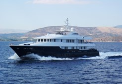 Luxury yachtIntermarine Spa 138