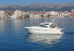 Motor YachtJeanneau Prestige 34 Sportop