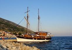 Motor-sailer Petrina