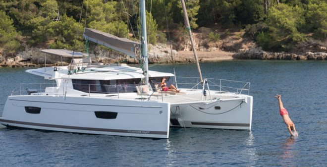 catamarans Fountaine Pajot Helia 44 (4+2)