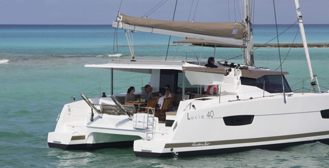 catamarans Fountaine Pajot  Lucia 40