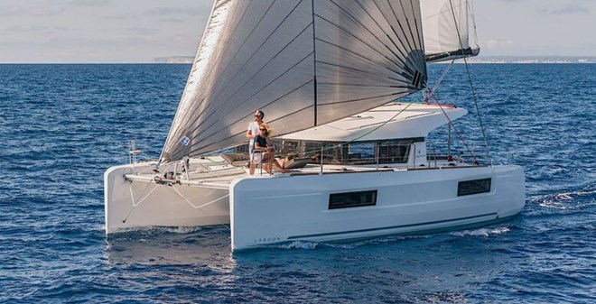 catamarans Lagoon 40 Owner
