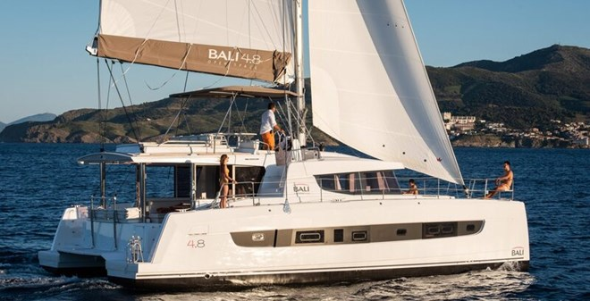 catamarans Bali 4.8