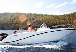 Motor YachtQuicksilver 675