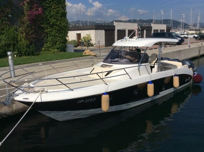 sessa key largo 36 second hand motor yacht for sale in croatia yacht broker croatia. Black Bedroom Furniture Sets. Home Design Ideas