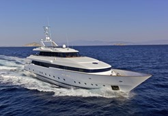 Luxury yachtSiar Moschini 134