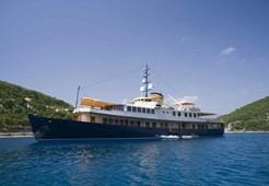 Luxury yachtYacht Seagull