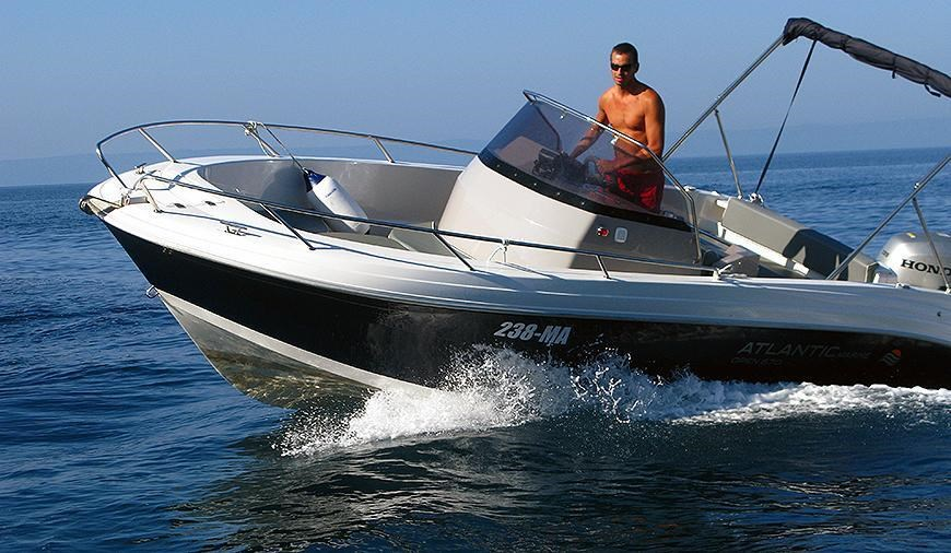 Atlantic Marine 670 Open for charter in Makarska