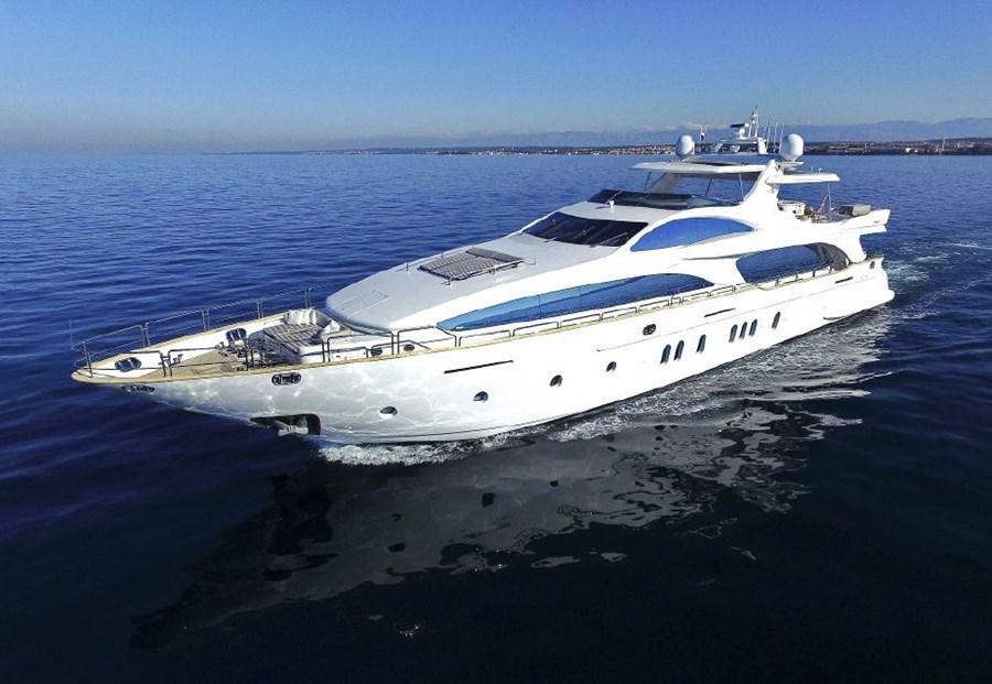 Azimut 116 for charter in Zadar