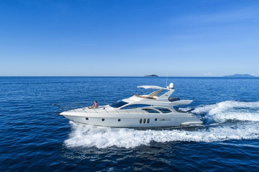 Azimut 62 Fly for charter in Dubrovnik