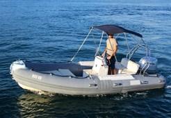 R BWA California 550 for charter in Split