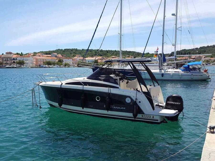 Balt 818 Titanium for charter in Ugljan
