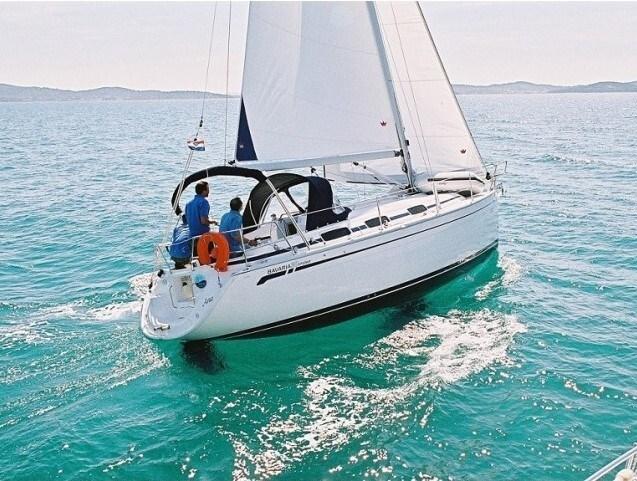 Bavaria 30 for charter in Trogir