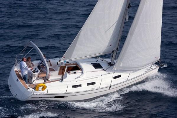 Bavaria 32 for charter in Trogir