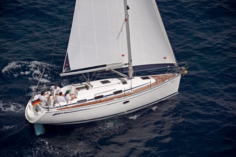 Bavaria 33 Cruiser for charter in Pirovac