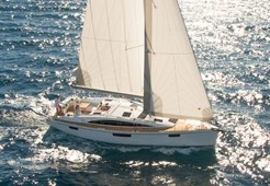 Bavaria 42 Cruiser for charter in Trogir