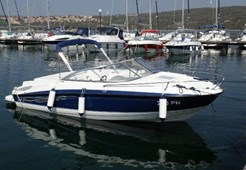 M Bayliner 652 for charter in Punat, Krk
