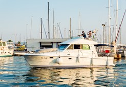 M Beneteau Antares 10.80 for charter in Split