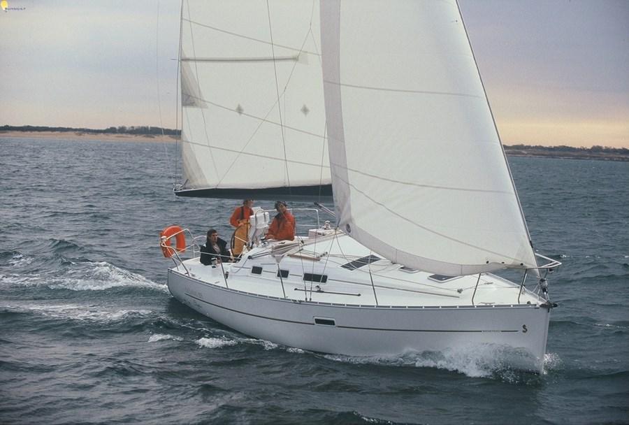 Beneteau Oceanis 323 for charter in Biograd