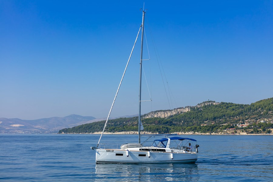 Beneteau Oceanis 38.1 New for charter in Kastela, Split