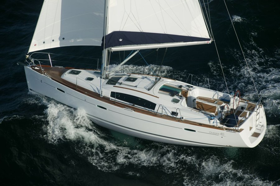 Beneteau Oceanis 40 for charter in Punat, Krk