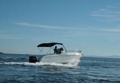 M Blueline Blumax 640 for charter in Hvar