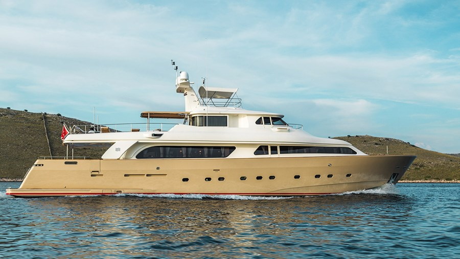 CRN Spa 100 for charter in Zadar