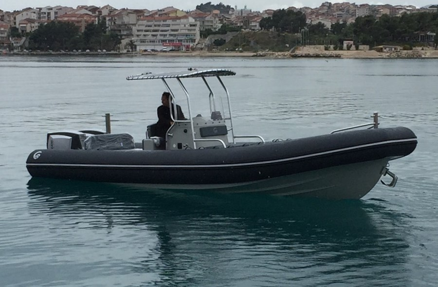Capelli 900 for charter in Vodice