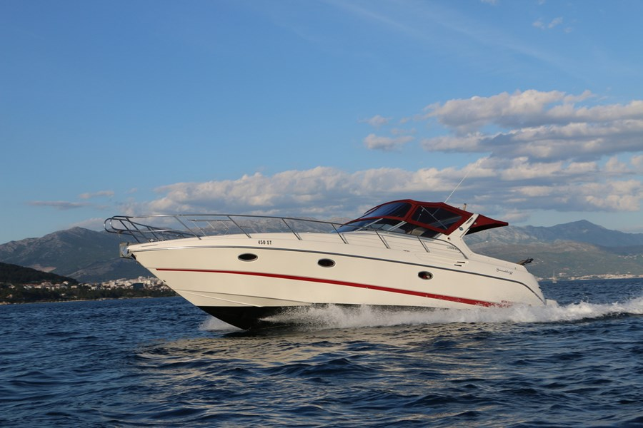Cranchi Smeraldo 37 for charter in Split