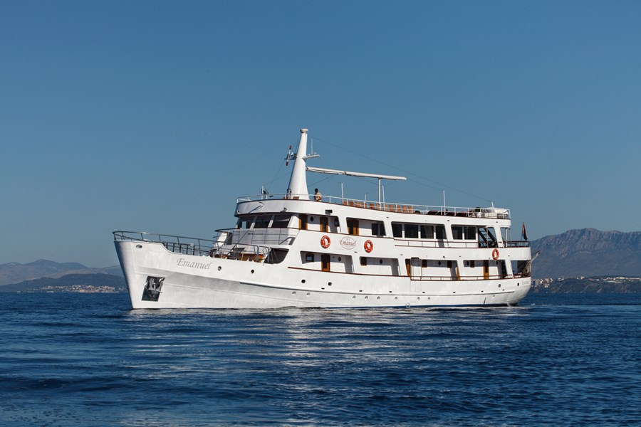 Custom Emanuel for charter in Split