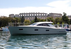 Cyrus Yachts 13.8 Hard top