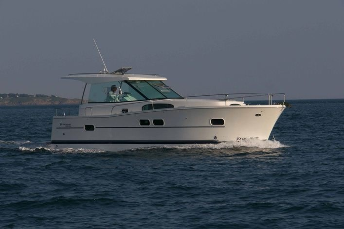 Delphia 1050 Escape for charter in Izola
