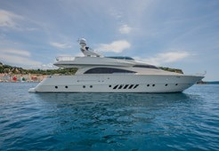 L Dominator 26M for charter in Izola
