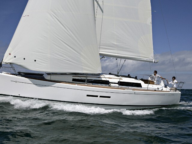 Dufour 380 for charter in Seget Donji