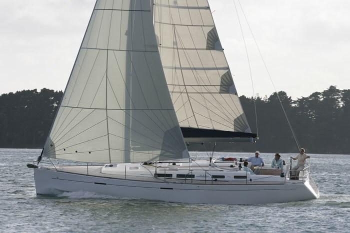 Dufour 425 for charter in Trogir