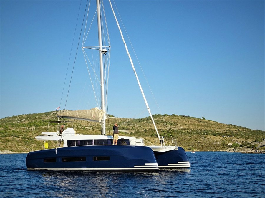 Dufour 48 for charter in Trogir