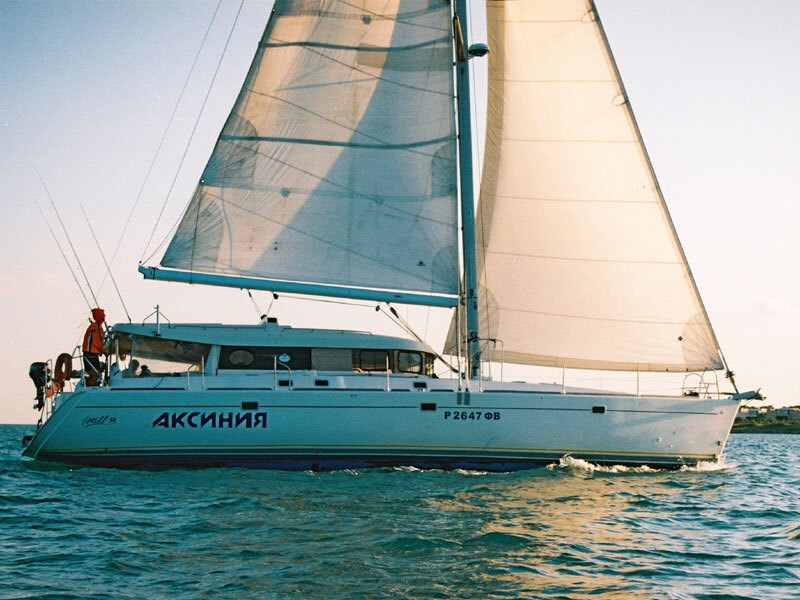 Dufour Atoll 6 for charter in Split