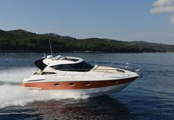 Elan Power 30HT for charter in Sukosan