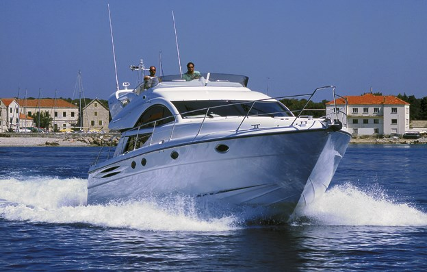 Fairline Phantom 50 for charter in Sibenik